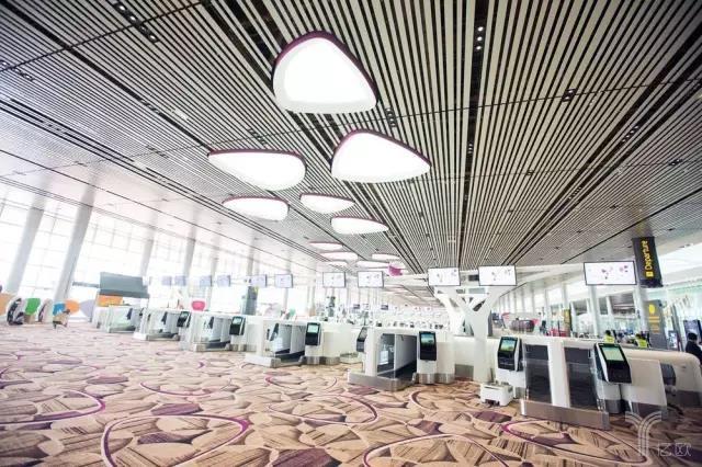 人脸识别、自动托运、清洁机器人,樟宜机场T4航站楼有哪些黑科技