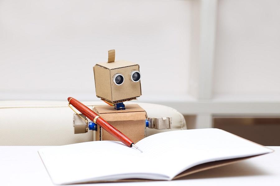 机器人写字,人工智能,机器人,腾讯,度秘,新华社,今日头条