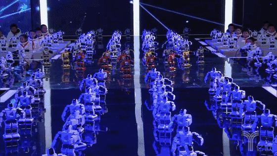 《机智过人》年度盛典放大招,400台Aelos首秀街舞燃全场!